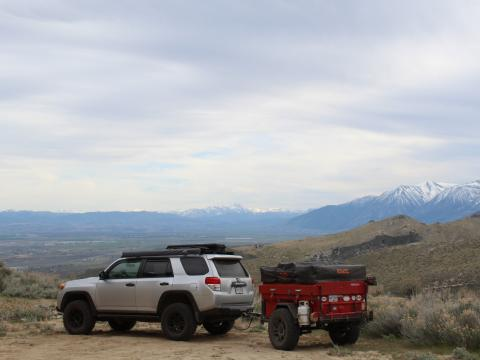 5th gen 4Runner overlanding North America - Nevada mountains with trailer