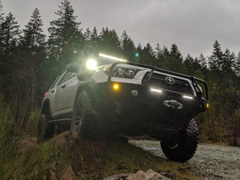5th gen 4Runner front LED lightbar and ditch lights