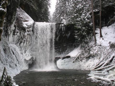 Amonite falls winter
